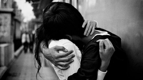 hugging 2